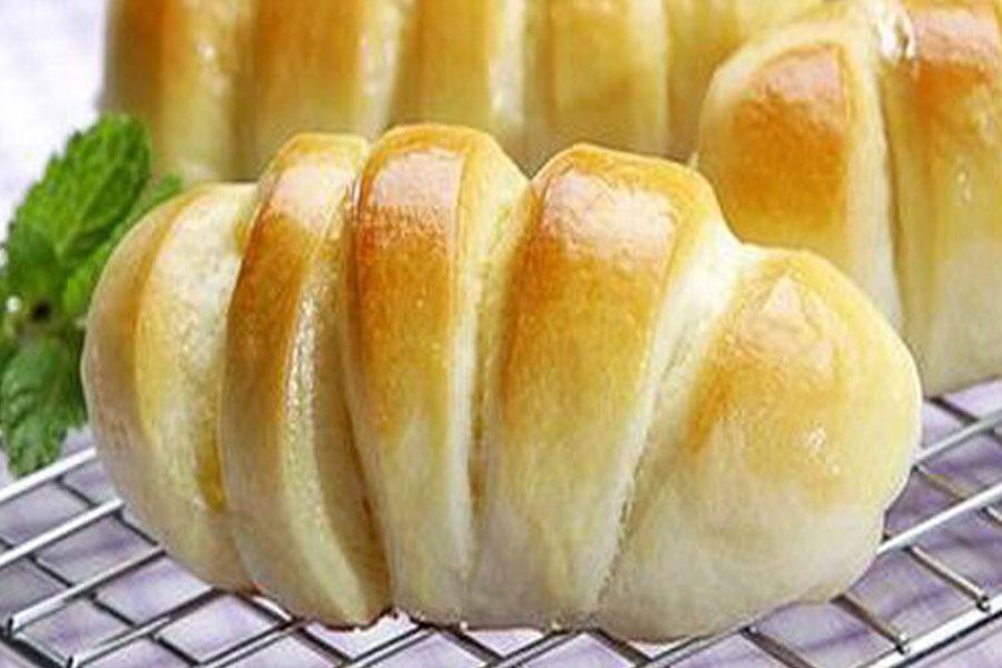 Roti Sobek Isi Pisang